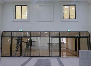 protivopozharnie-okna-v-holle